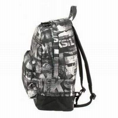 sac bandouliere homme quiksilver sac d 39 ecole college quiksilver sac a dos ecole quiksilver. Black Bedroom Furniture Sets. Home Design Ideas